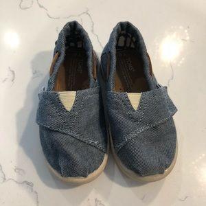 Adorable TOMS denim shoes